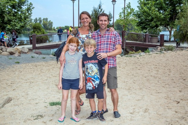 15-Foto 20 Stern Chloé, Jennifer, Víctor y Vincent Le Saint