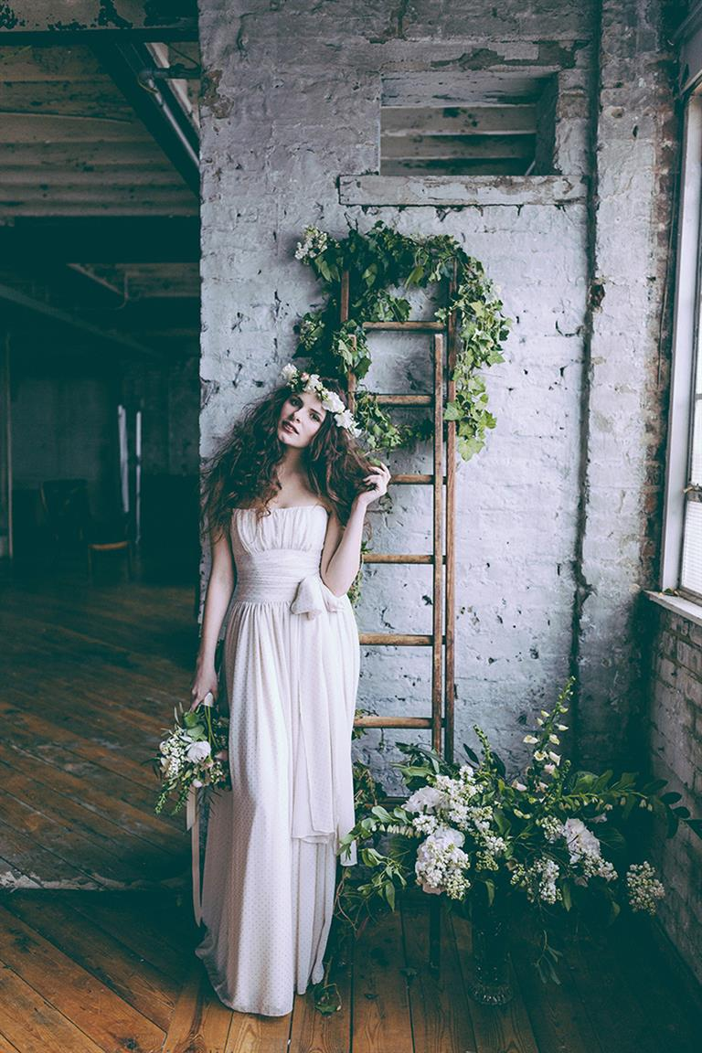 Sleeping Beauty Inspired Shoot With Vintage Bridal Hair