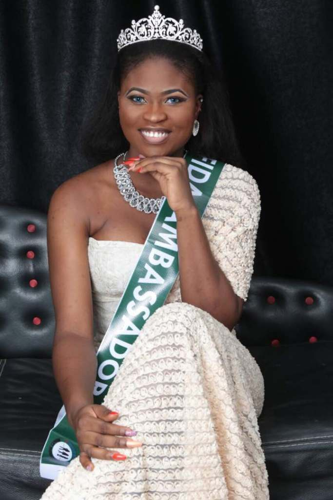 Beauty Queens are born in May: Queen Freda is plus 1