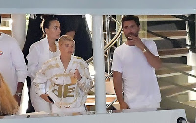 Lionel Richie Monitors Daughter On Facetime As She Spends Time With Scott Disick In France