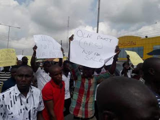 Photos from the APC Bayelsa Inuguration that killed One person 1
