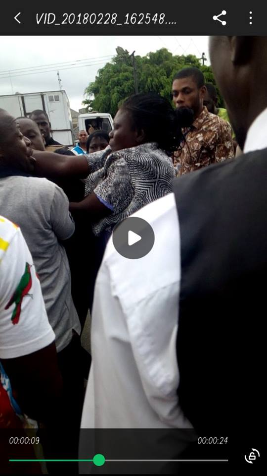 2 Female Police Officers exechanging blows in Yenagoa