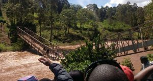 Governor jumps into river while taking selfie on newly-built bridge