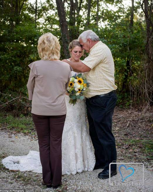 Grieving bride wears wedding dress to fiancé's grave on wedding day (Photos)