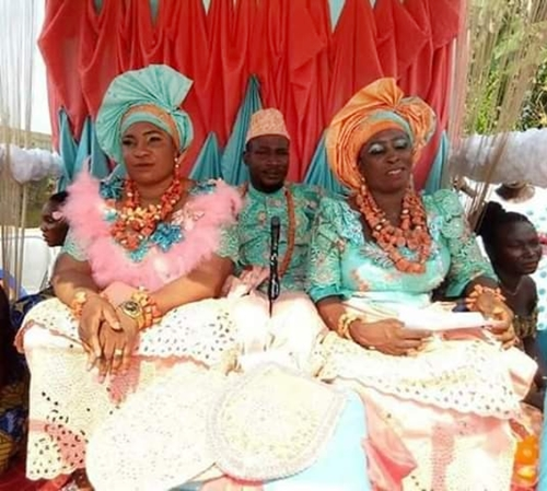 Four Brothers Marry Six Wives Same Day, As Two Of Them Married Two Wives Each In Delta State (Photos)