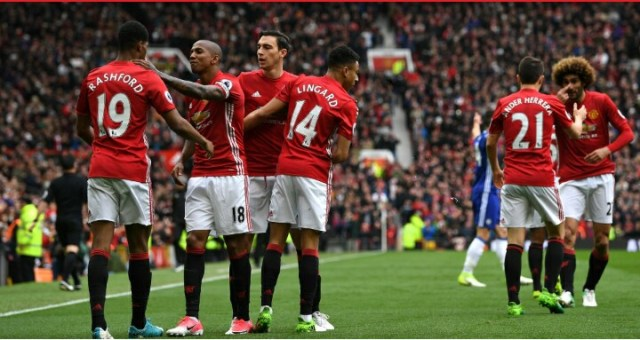 Goals from Marcus Rashford and Ander Herrera gave Manchester United a deserved victory over Premier League leaders Chelsea at Old Trafford.