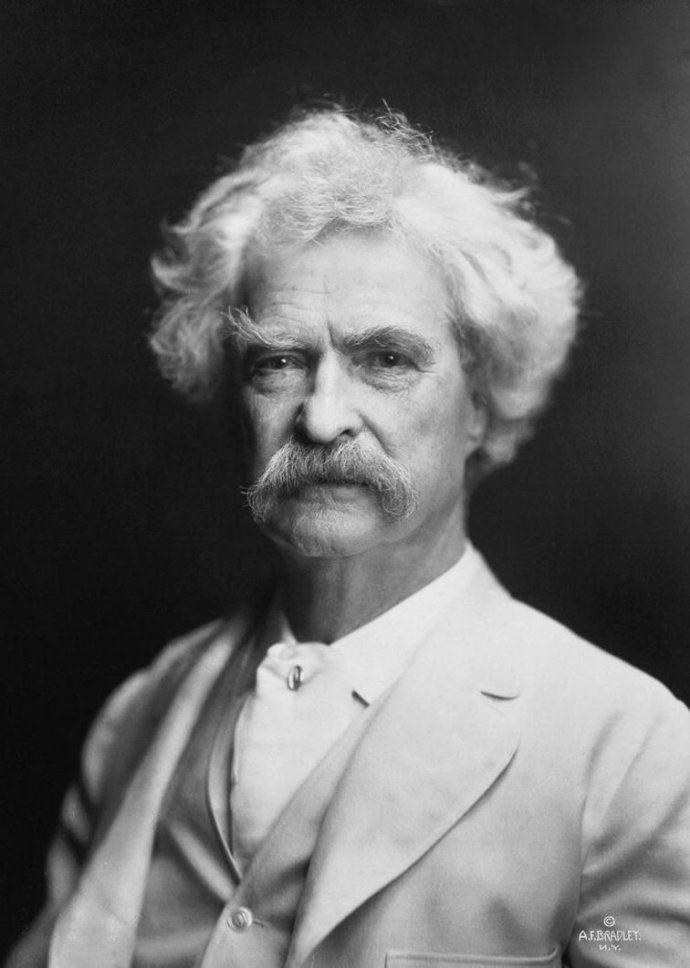 Mark Twain - See https://commons.wikimedia.org/wiki/File:Mark_Twain_by_AF_Bradley.jpg