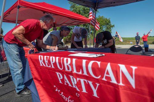 Republicans Swamp Battlegrounds on Voter Registration