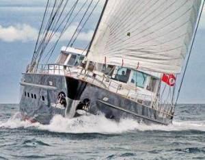 Yacht-Turning-1