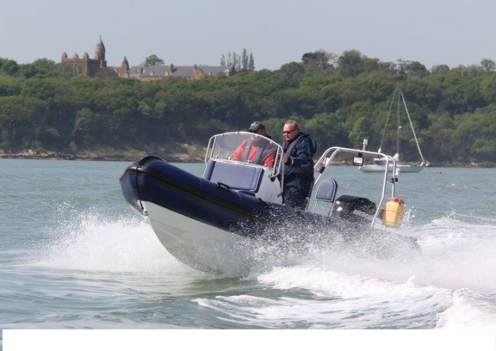 power-boat-on-water