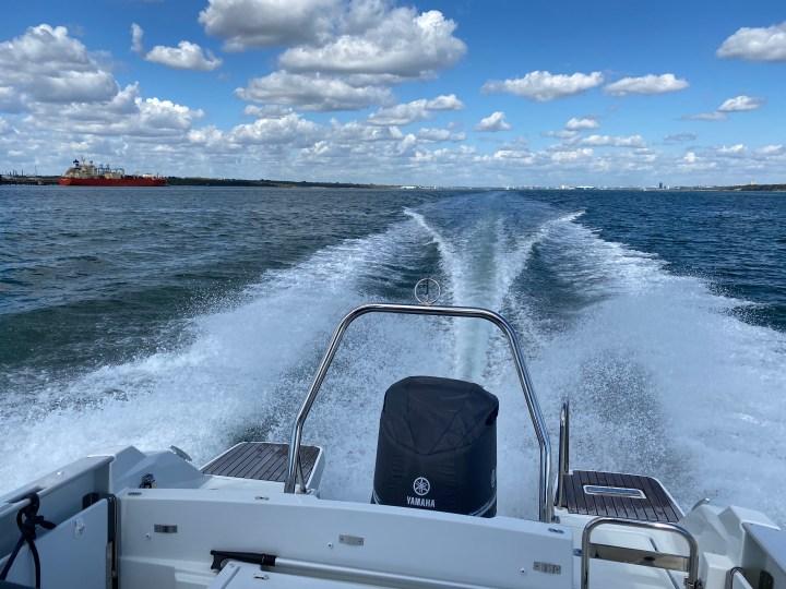 rear-powerboat-skipper-training