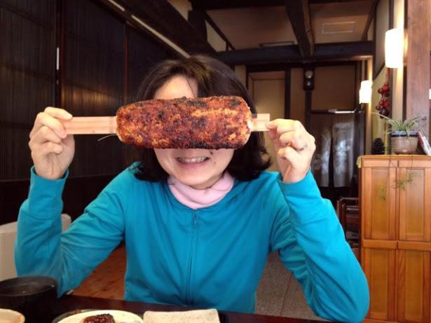 遠くなければ、何度でも行きたくなる腰掛山荘で食べる五平餅は最高!