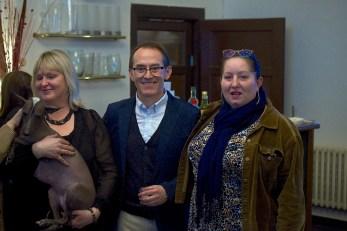 Eva Linhartová – Chairman of the Klub Chovatelu Nahacu, Nieva Taysha Pazzda (Peruvian Hairless Dog of Eva Linhartová), Pedro Santiago Allemant (movie Director) and Jarmila Jorová (member of the Klub Chovatelu Nahacu)