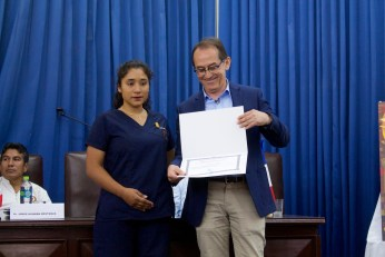 Reconocimiento otorgado por la Universidad Nacional Pedro Ruíz Gallo. Photo by Favio Jordi Martínez Nuntón / appp – adpp ©2018