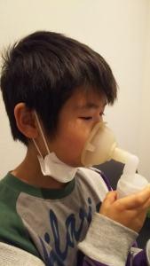 秋に悪化する子供の喘息