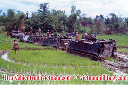 Thiết xa vận M-113 của đại đội C , sư đoàn 7 bộ binh ở đồng bằng Sông Cửu Long trong chiến tranh Việt Nam - M-113 Amor APC of 7th Infantry division in Cuu Long Delta Viet Nam war