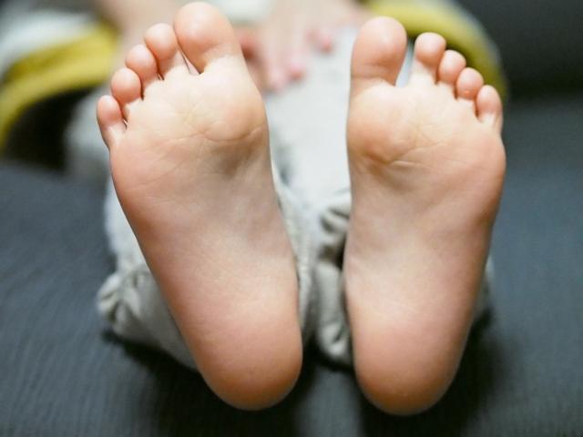 足の付け根のしこり 原因