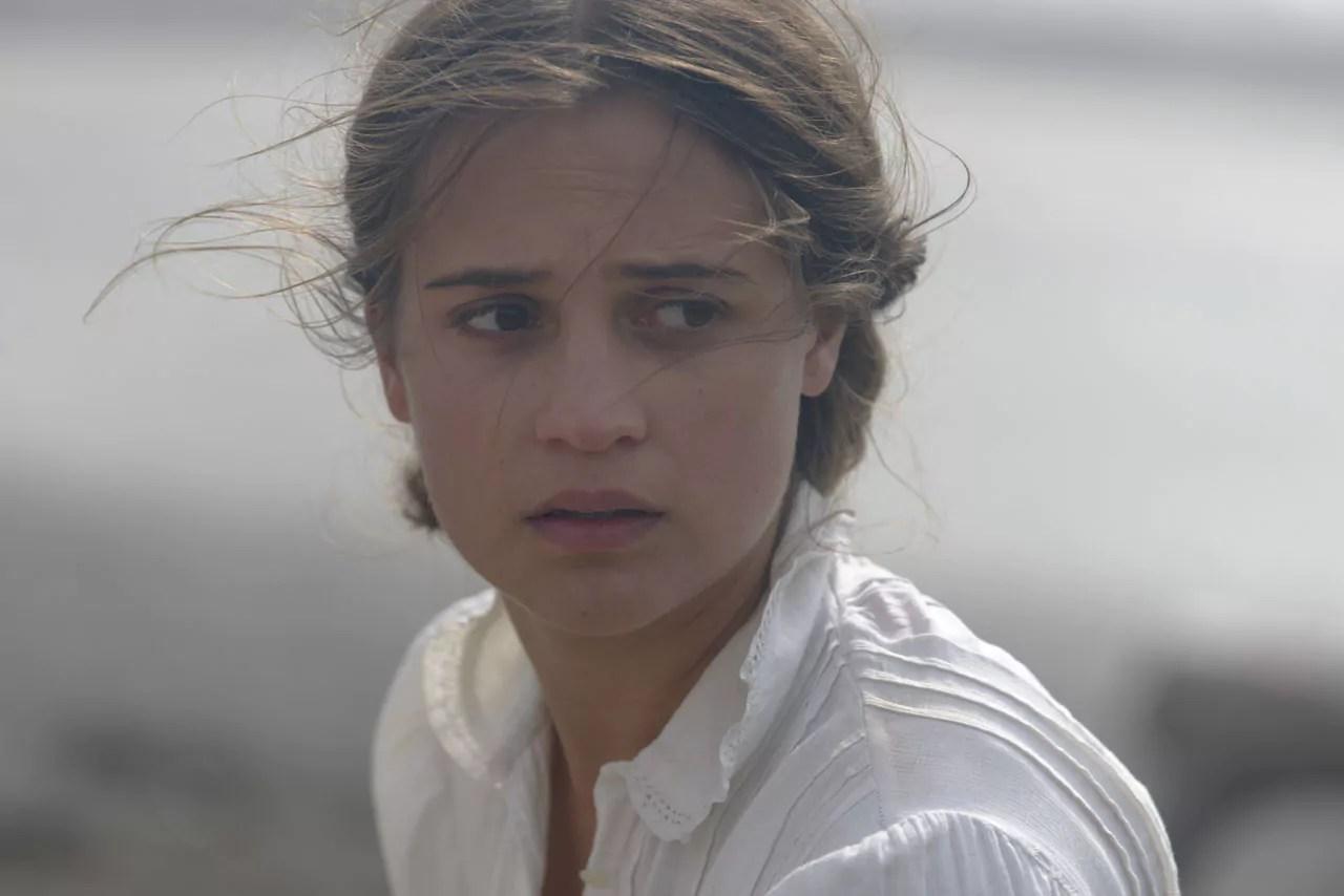 Alicia Vikander Irma Dep