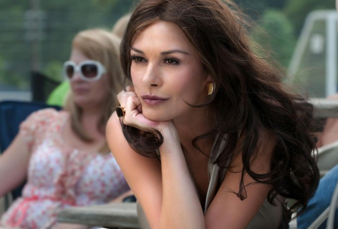Catherine Zeta-Jones sarà Morticia nella serie Netflix 'Wednesday' di Tim Burton