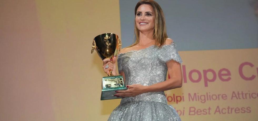 Venezia 78: Penélope Cruz vince la Coppa Volpi come miglior attrice per Madres paralelas