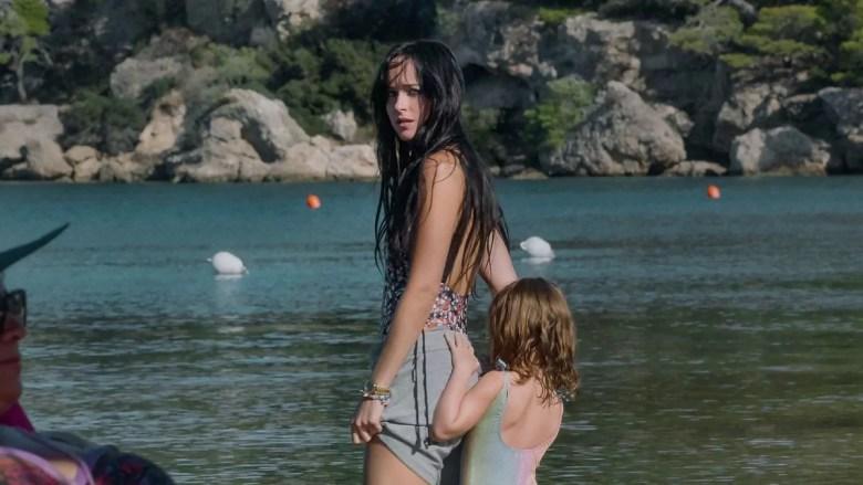 Dakota Johnson parla di The Lost Daughter e dell'esperienza vissuta sul set