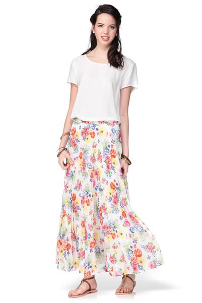 Jupe longue fleurie, blouse et sac