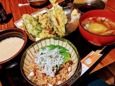 麦とろしらすと季節野菜の天ぷら御膳』