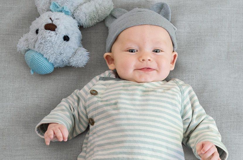 赤ちゃんに着せたい♡コンビミニのかわいいラップクラッチ