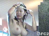 銭湯盗撮動画。思わずモミモミ揉んで吸い付きたくなるような素晴らしい巨乳女子