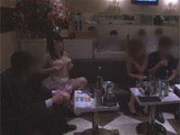 キャバクラ接客中に乳首オナニーをムチャぶりされる爆乳嬢