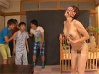 友達のワルガキ共に母親が性奴隷にされてメス豚母乳ママと化していた!