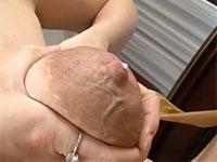 デカい乳輪から乳腺が浮き出るほど気合の入った母乳搾り