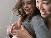 超デカパフィーニップルのEmmaちゃんの乳首から母乳を頂くレズビアン