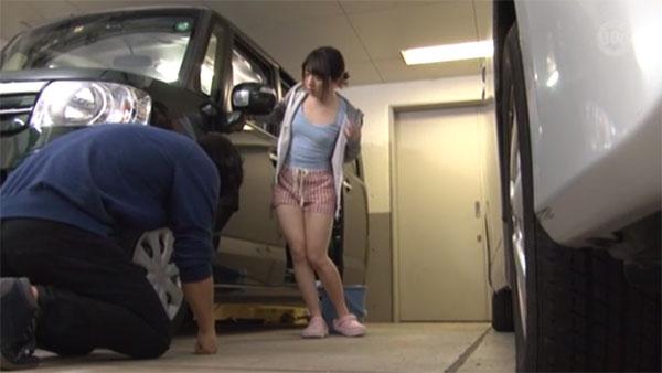 洗車中に胸ポチが気になって