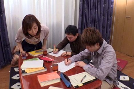普段は塾の先生をしている新川千尋