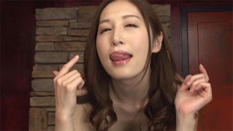エロ可愛い表情の佐々木あきさん