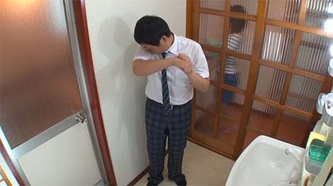 友達の姉に「臭いからお風呂に入ってくれ」と言われた男子生徒