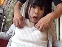 永井みひなちゃんのイグイグ乳首イキ!ノーブラニットの上から執拗に乳首を弄られまくりガクガクしながら乳首でイッグ動画!