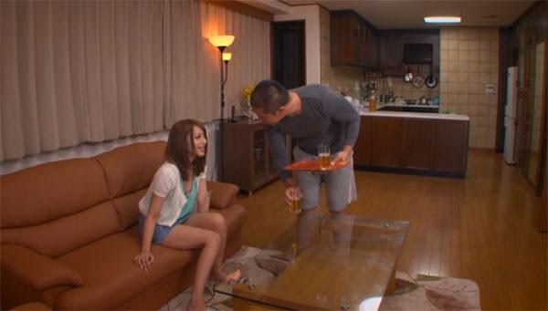 家庭教師後に兄と飲む桜井あゆちゃん
