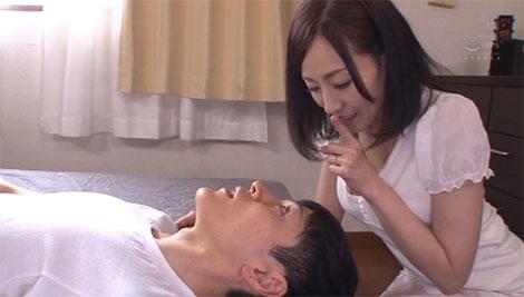 翌朝希美さんに起こされる小太郎