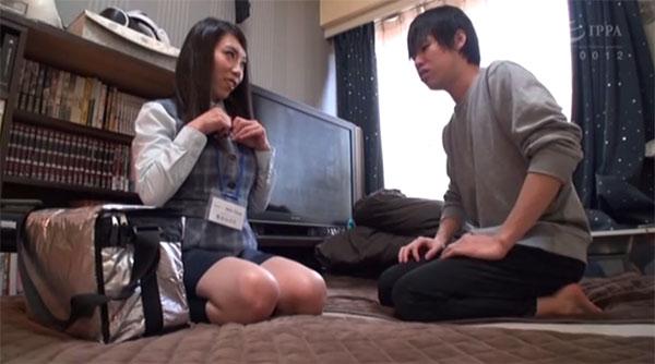 男性宅に母乳をお届けに上がった桑田みのり