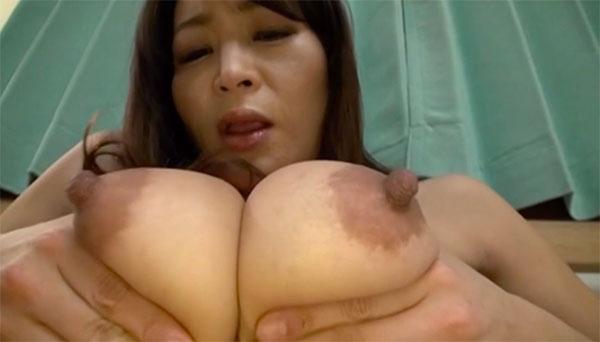 美熟女の乳首