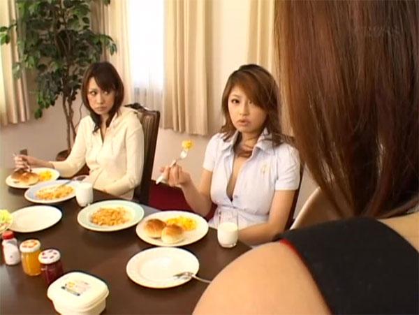 朝食がマズイとイチャモンを付ける長女