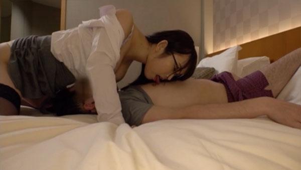 桐谷なおちゃんとの相互乳首舐め