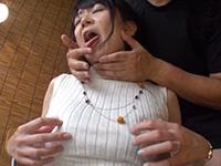乳首オナニーしながら舌責め