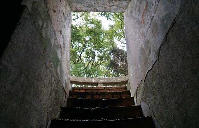 遙拝台階段 屋上 出入り口 史跡