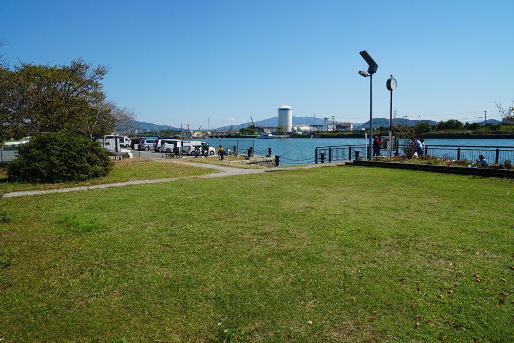福岡県大牟田市新港町 あいあい広場 芝生 公園