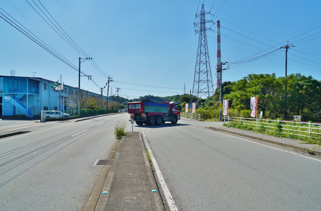 世界文化遺産 旧長崎税関三池税関支署周辺 県道736号線 10tダンプカー
