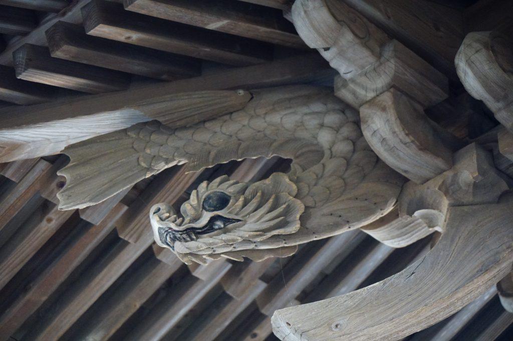 福岡県大牟田市宮部66-1 早馬神社 神門の飾り彫刻 シャチホコ 鯱