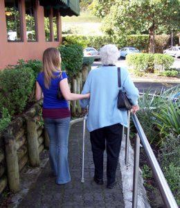 teen helps elderly
